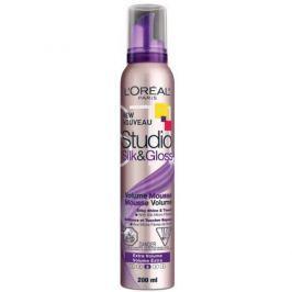 L'Oréal Objemová pěna na vlasy Studio Line (Silk&Gloss Volume Mousse) 200 ml
